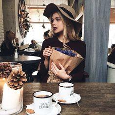Mulheres solteiras, não morram pelo seus vãs desejos - Stefany Blog