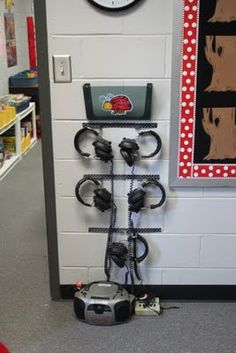 Listening Center dandelions and dragonflies: Finally, my classroom reveal! Classroom Setting, Classroom Setup, Classroom Design, Music Classroom, Kindergarten Classroom, Future Classroom, School Classroom, Classroom Arrangement, Owl Classroom