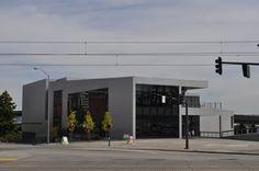 Un miliardario tedesco con radici in Tacoma ha deciso di donare la sua collezione di arte americana occidentale al Tacoma Art Museum. Un nuovo progetto di 15.000 metri quadrati per una collezione composta da 280 pezzi. Il dono più grande nella storia del museo. Roccia Hushka, curatore d'arte