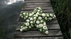 Gesteck | Blumen & Garten Funeral Flower Arrangements, Funeral Flowers, Floral Arrangements, Sympathy Flowers, Flower Food, Star Shape, Centerpieces, Wreaths, Plants