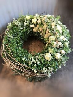Funeral Flower Arrangements, Funeral Flowers, Wreaths For Front Door, Door Wreaths, Source Of Inspiration, Easter Wreaths, Summer Wreath, Xmas Decorations, Floral Wreath