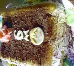 Recette de tiramisu aux fraises, gâteau d'anniversaire, décor Playmobil - Si les enfants adorent les fraises, ils aiment tout autant les petits bonhommes Playmobil®, voici donc un gâteau d'anniversaire pour enfant de 6 ans aux fraises, à la crème, avec un visage de Playmobil. Voici, Desserts, Fiesta Kitchen, Traditional Kitchen, Diy Food, Home Made, Home Kitchens, Playmobil, Tailgate Desserts