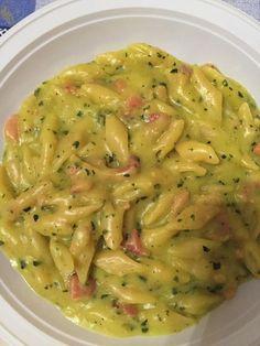 Pennette zucchine, speck e zafferano Bimby 32 votes Una pasta riso. Italian Pasta, Italian Dishes, Italian Recipes, Pasta Recipes, Dinner Recipes, Cooking Recipes, Healthy Recipes, Healthy Chicken Dinner, Comida Latina