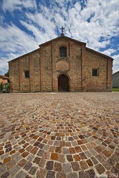 Romanic church of San Pietro in Volpedo (AL) - Pieve romanica di San Pietro a Volpedo (AL)  #romanico #chiesa #tortona