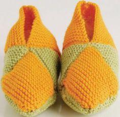 Brei vir julle almal pantoffels met oorskietbreidraad. Dit hoef ook nie dieselfde kleur te wees nie. Hoe bonter hoe mooier.