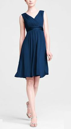 V-necklines, a defined waist, an A-line skirt and wide straps all work together like peas and carrots to create a flattering silhouette. So look for plus size bridesmaid dresses for your full figure ladies.Repin this!