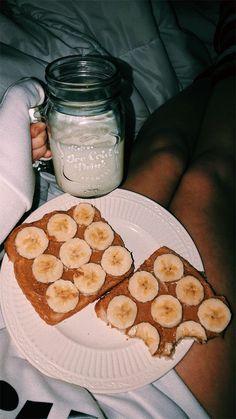 Peanut butter and banana toast + milk —> midnight snack Think Food, I Love Food, Good Food, Yummy Food, Tasty, Healthy Snacks, Healthy Recipes, Dinner Healthy, Diet Recipes