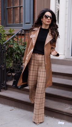 Amal Clooney's Best Office Looks Prove That She's Both Style Icon and Legal Powerhouse Elegantes Business Outfit, Elegantes Outfit, Mode Outfits, Fashion Outfits, Womens Fashion, Stylish Outfits, Skirt Outfits, Trajes Business Casual, Business Outfit Frau