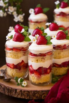 Strawberry Shortcake Trifles: Add a refreshing dessert touch by mixing layers of strawberries into your trifle. Find more easy Christmas trifle recipes and dessert ideas that have chocolate, gingerbread and fruit here. Mini Desserts, Beaux Desserts, Summer Dessert Recipes, Spring Desserts, Köstliche Desserts, Brunch Recipes, Shot Glass Desserts, Italian Desserts, Fruit Deserts Recipes