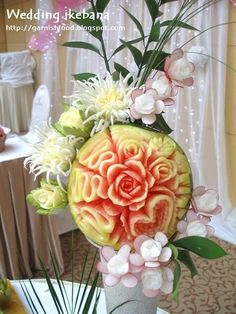 Fruit Carving Arrangements and Food Garnishes: Fruit and Vegetable Carving Ikebana. Romantic style for wedding reception