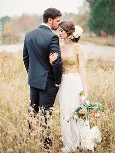 Boho Glam Wedding | Bohemian Wedding Bouquet | Vintage Wedding Style Photo credit: Brandi Smyth Source: http://magnoliarouge.com
