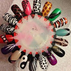 First nail wheel. Gel Nail Polish, Gel Nails, Manicure, Makeup Hacks, Makeup Tips, Short Wavy Hair, Nail Polish Collection, Ideas Para, Nail Art Designs