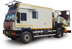 Hilton 90T with lorry (MAN)