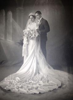 +~+~ Antique Photograph ~+~+  Gorgeous wedding portrait of couple.