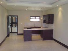2 bedroom flat in Kensington, Kensington, Property in Kensington - RR571122