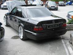 Mercedes 124, Mercedes Models, Mercedes E Class, Classic Mercedes, Mercedes Benz Cars, Merc Benz, Top Cars, Bmw, Dream Cars