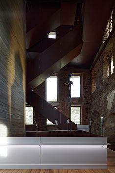 Galería de Centro de Visitantes para El Monasterio de Villers / Binario…