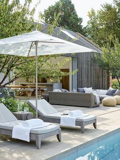 At Home With Chrissie Rucker, Founder of the White Company - Luxury Pool House Photos The White Company, Piscine Simple, Outdoor Pool Furniture, Pool House Interiors, Outdoor Spaces, Outdoor Living, Simple Pool, Pool Chairs, Outdoor Pavilion