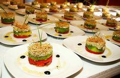 Menú gourmet de Mangiare Catering & Eventos | Fotos Canapes, Avocado Toast, Breakfast, Food Ideas, Google, Gourmet, Vegetables, Beverage