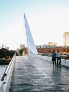 25 atrações gratuitas e extraordinárias para curtir Buenos Aires. Puente de la Mujer. Mendoza, Argentina Travel, South America Travel, Adventure Travel, Places To See, Travel Inspiration, Earth, Building, Photography