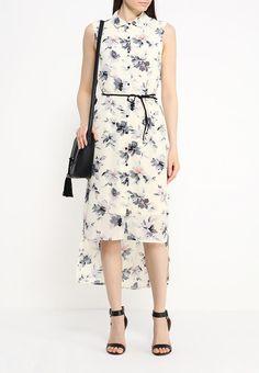 Платье от LAMANIA выполнено из легкого текстиля и декорировано цветочным принтом. Детали: прямой кро