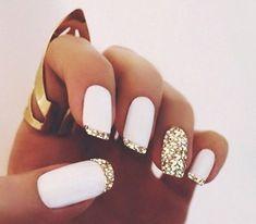 Trendy Nails Design Gold Glitter French Tips White Glitter Nails, Dark Nails, Matte Nails, Gold Glitter, Sparkle Nails, Acrylic Nails, Glitter Manicure, Gold Sparkle, Glitter Art
