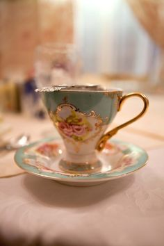vintage tea cups   .....................................Please save this pin.   ............................................................. Click on this link!.. http://www.ebay.com/usr/prestige_online