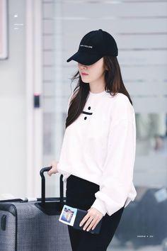 Được nhúng Snsd Fashion, Ulzzang Fashion, Kpop Fashion Outfits, Tween Fashion, Ulzzang Girl, Korean Casual Outfits, Edgy Outfits, Korean Airport Fashion, Korean Fashion