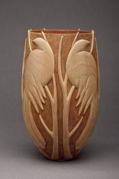 Collectors of Wood Art - Artist Portfolio Chip Carving, Tree Carving, Ideas Para Trabajar La Madera, Transfer Images To Wood, Pottery Handbuilding, Driftwood Sculpture, Wood Vase, Wooden Art, Gourd Art