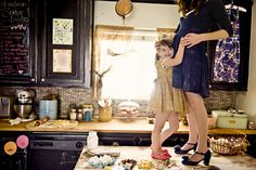 Love the kitchen...love the idea...love the picture...if i do my shoot at my in-laws and she will let me stand on her island i want this!