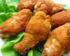 Aripioare de pui crocante si picante in stil KFC Kfc, Romanian Food, Cordon Bleu, Weekly Menu, Carne, Ethnic Recipes