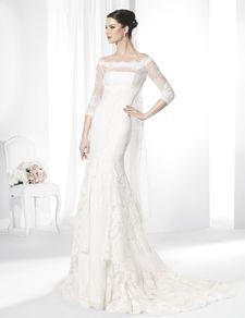 Vestidos de novia línea sirena de corte imperio confeccionado en Chantilly.