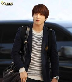 Yong Hwa @Incheon Airport Heading to NAGOYA Japan 01/10/2012.