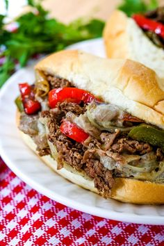 This Quick Philly Cheesesteak Recipe takes some help from the store to help make an authentic tasting cheesesteak! #phillycheesesteakrecipe #dinnerrecipes #lowcarbrecipes #dinnerin 30 #beef