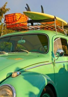 The picnic basket, the surf board, totally picturesque on this old VW bug. Vw Beach, Beach Bum, Beach Rides, Beach Picnic, Summer Picnic, Sand Beach, Summer Of Love, Summer Fun, Summer Time