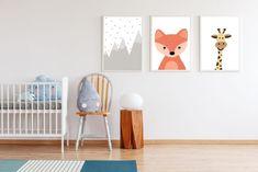 Passende Wandbilder runden die Kinderzimmergestaltung perfekt ab. Wir haben deshalb für Sie 4 schöne Kindermotive zum kostenlosen Download gestaltet – vom Indianer-Tipi über Fuchs & Giraffe bis hin zum Bergblick.