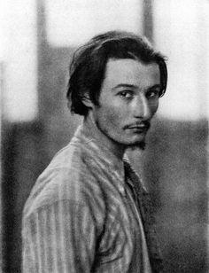 Ezra Pound ; The poet as a young man