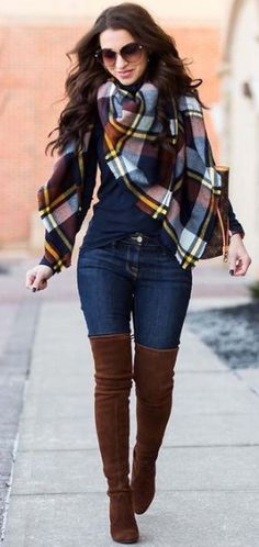 41 Stylish Sweater Outfits Ideas for Fall and Winter - The Finest Feed - Casual Winter Outfits Winter Boots Outfits, Simple Fall Outfits, Casual Work Outfits, Winter Outfits Women, Winter Outfits For Work, Winter Fashion Outfits, Mode Outfits, Sweater Outfits, Look Fashion