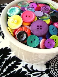 bowl of buttons