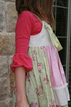Greenstyle Bella Bubble Sleeve T-Shirt PDF Pattern for Girls up to Tween Sizes 3-12. $8.00, via Etsy.