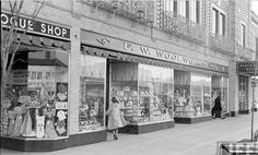 1950s Country Club Plaza...Woolworth dime store