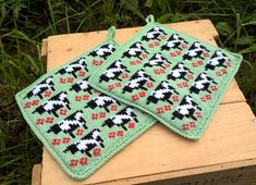 WP_20170622_15_11_51_Pro (2) Knitting Stitches, Knitting Patterns, Stick O, Crochet, Pot Holders, Cow, Diy And Crafts, Mosaic, Tapestry