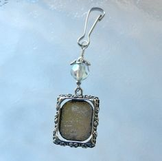 Something old... a picture you and your dad (or pic of your parents) on your bouquet.... Wedding bouquet photo frame charm Crystal by SmilingBlueDog, $7.99