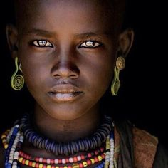 LensCulture Portrait Awards 2015 is an international competition seeking the BEST portrait photography from ALL the corners of the world. All types of portrait photography welcome. Best Portrait Photography, Best Portraits, Amazing Photography, Beautiful Eyes, Beautiful People, Pretty Eyes, Types Of Portrait, Africa People, Love Culture