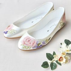 Delicate Pink Peony, lilacs & Gypsophila create a beautifully subtle floral print, the perfect finishing touch to any wedding dress, or bridesmaid outfit. Our flat ballerina style satin shoe is the pe Unique Wedding Shoes, Pink Wedding Shoes, Wedding Flats, Bridal Shoes, Wedding Accessories, Wedding Dress, Ivory Wedding, Painted Sneakers, Painted Shoes