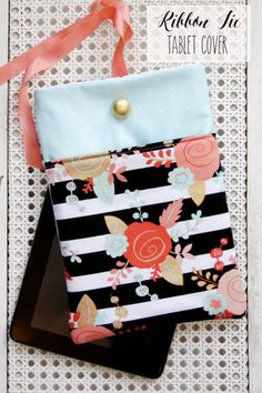 Beautiful DIY Tablet Cover via Beverly #diy #tabletcover #giftidea
