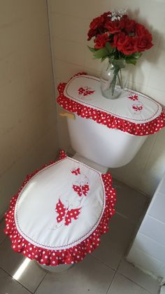Sewing Crafts, Sewing Projects, Projects To Try, Christmas Bathroom Sets, Bathroom Crafts, World Crafts, Denim Crafts, Gift Bows, Crochet Designs