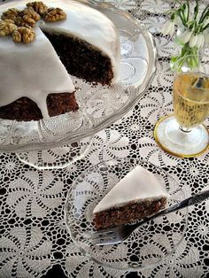 Gaga u kujni: Posna torta sa vinom i orasima