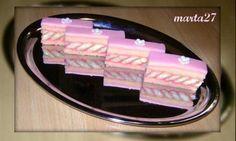 Puncture taie un pic diferit - reteta Bridesmaid Gifts Unique, Oreo Cupcakes, Fancy Desserts, Fashion Cakes, World Recipes, Nom Nom, Bakery, Cheesecake, Deserts