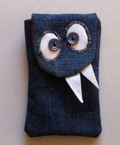 Monster phone case tutorial - lots more cute denim ideas found on this site. Be sure to browse around a bit! Jeans Denim, Denim Bag, Diy Phone Case, Phone Cases, Cellphone Case, Sewing Crafts, Sewing Projects, Jean Crafts, Denim Ideas